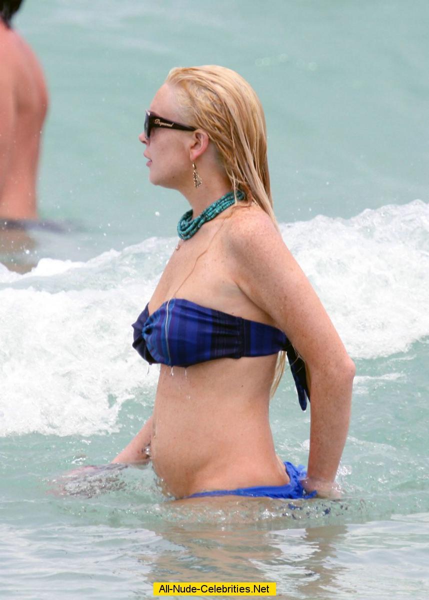 Lindsay Lohan The Nip Slip
