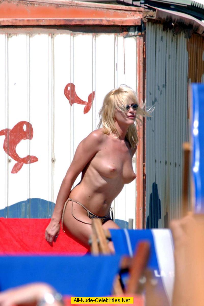 Images Of Naked Celebrities With Tag Topless