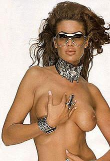 Estibaliz Sanz posing fully nude for magazine