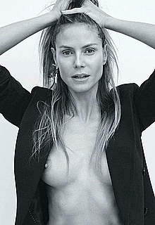 Heidi Klum in sexy lingeries and topless