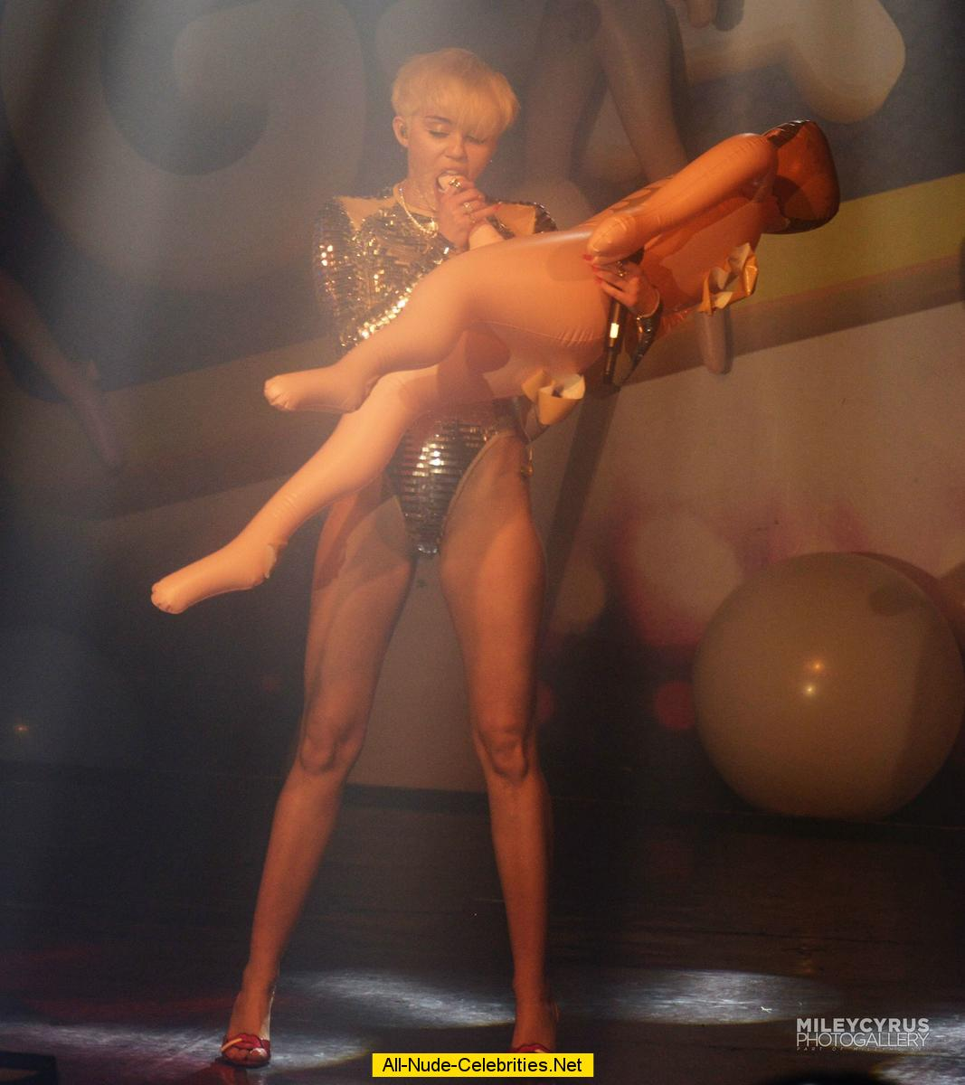 On stage cyrus nude miley